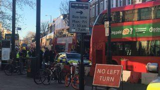 В районе Kings Cross перекрыты дороги из-за подозрительного пакета