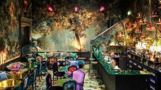 Самый красивый ресторан в Лондоне, напоминающий Страну чудес