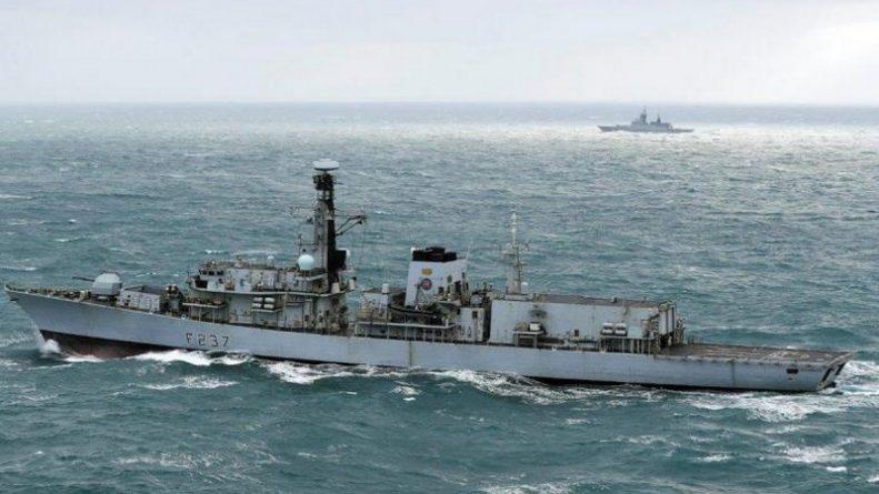 Политика: Королевский флот Великобритании направил фрегат для наблюдения за российскими кораблями