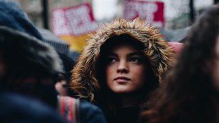 Марш женщин в Лондоне: женщины выступили против дискриминации и гендерного неравенства