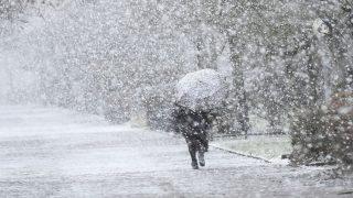 Непогода оставила много британских домов без электричества