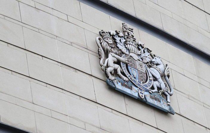 Общество: В Северной Ирландии начался суд над охотниками за педофилами