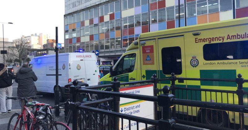 Происшествия: Женщина попала под поезд в Лондоне