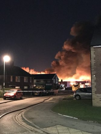 Пожар на территории школы в Тиссайде