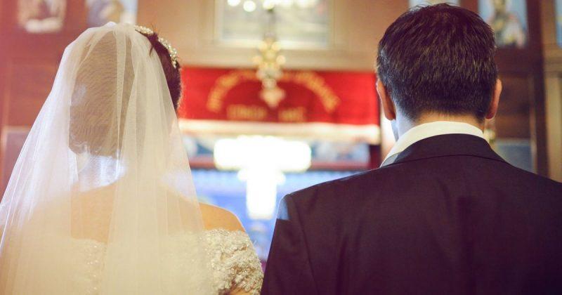 Закон и право: Новый закон ломает 200-летнюю систему: в свидетельства о браке будут вписывать фамилию матери