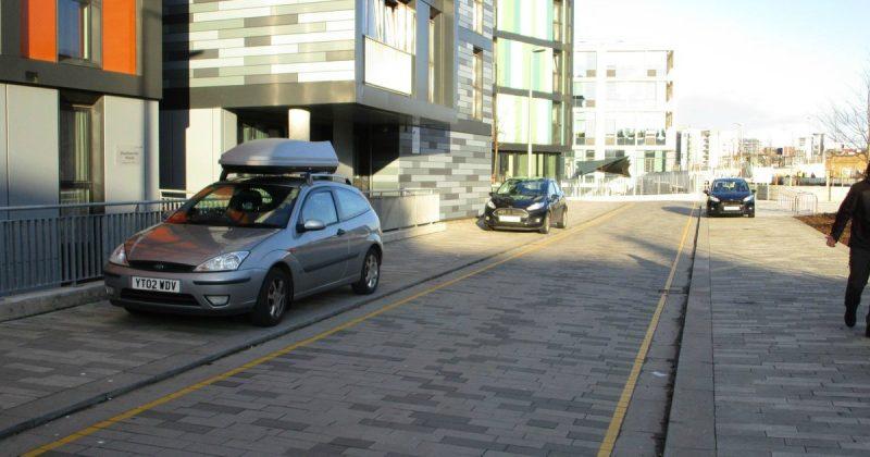 Закон и право: Парковка на тротуаре: как избежать штрафа и что об этом говорит закон?