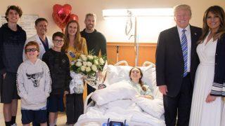 Трамп посетил в госпитале жертв стрельбы во Флориде