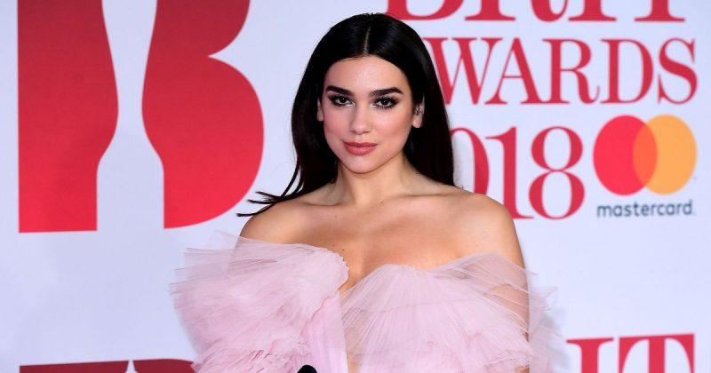 Популярное: Самые эффектные наряды на красной дорожке BRIT Awards 2018