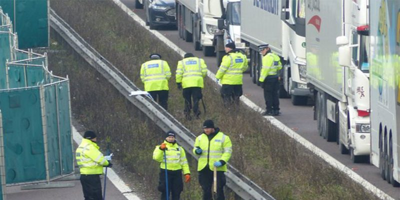 Происшествия: На оживленной автомагистрали М20 найдена мертвой 32-летняя женщина. Причины гибели неизвестны