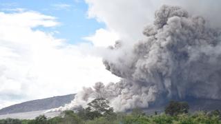 В Индонезии произошло повторное извержение вулкана