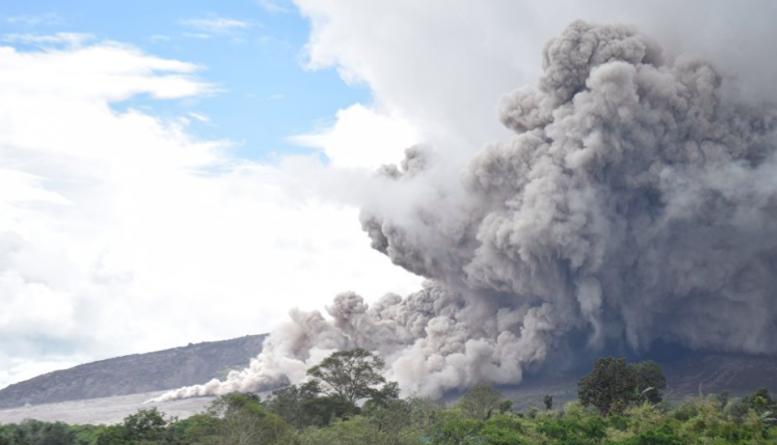 В мире: В Индонезии произошло повторное извержение вулкана