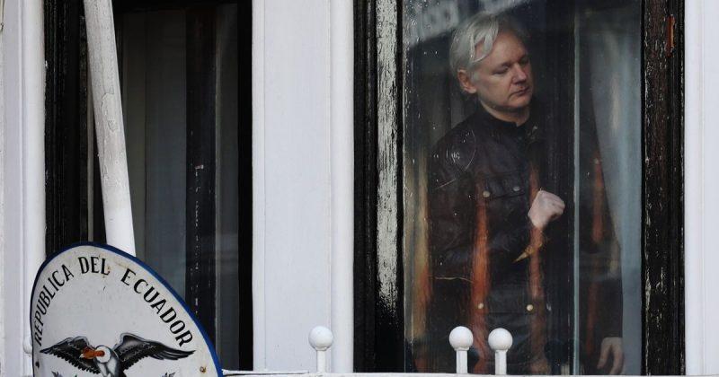Политика: Основателя WikiLeaks по-прежнему ожидает арест и экстрадиция в Швецию