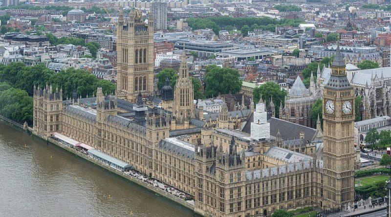 Политика: Политолог: британское общество перестало делить политиков на правых и левых