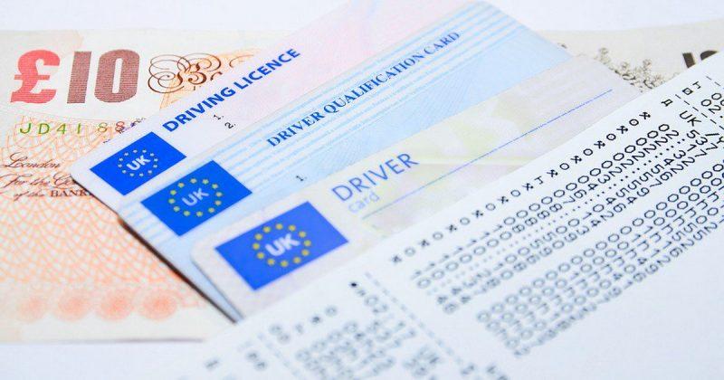 Политика: Brexit лишит британцев права кататься на машине в ЕС