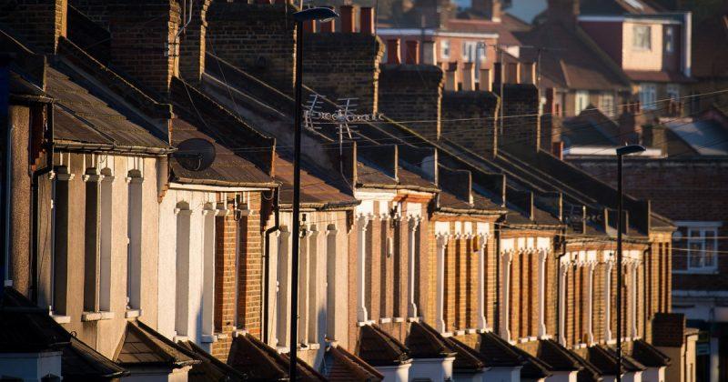 Недвижимость: Аренда жилья в Великобритании почти сравнялась с домами в кредит