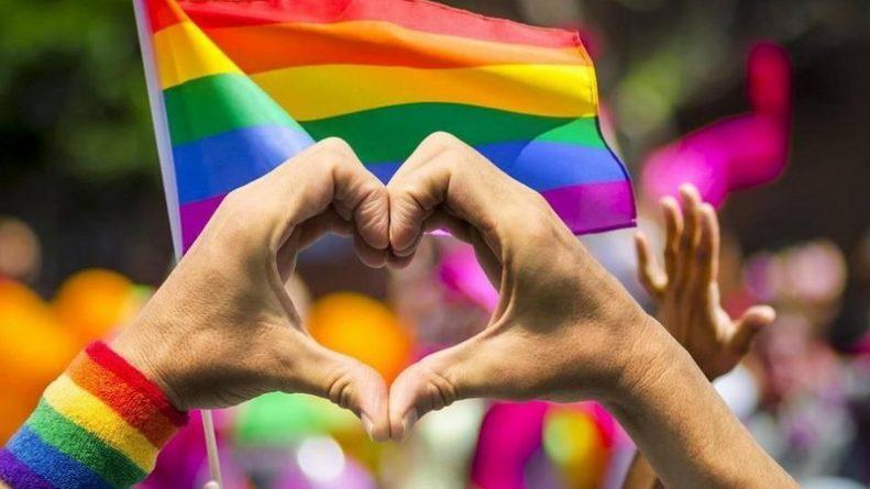 Общество: Сорван показ скандального фильма о лечении геев в Великобритании