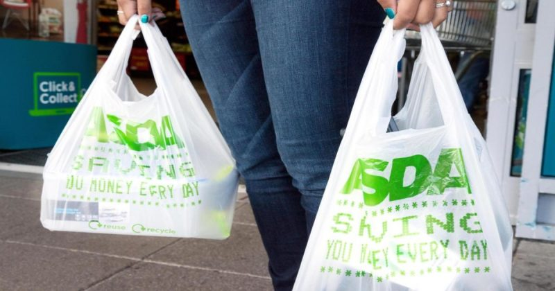 Общество: Борьба с пластиком: Asda отказывается от полиэтиленовых пакетов за 5 пенсов