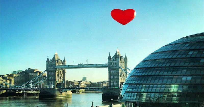 Досуг: Сердечная атака в Лондоне: столицу заполонили гигантские сердца