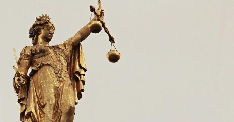 Закон и право: Врачи намеренно продлевали жизнь пациента вопреки воле его семьи