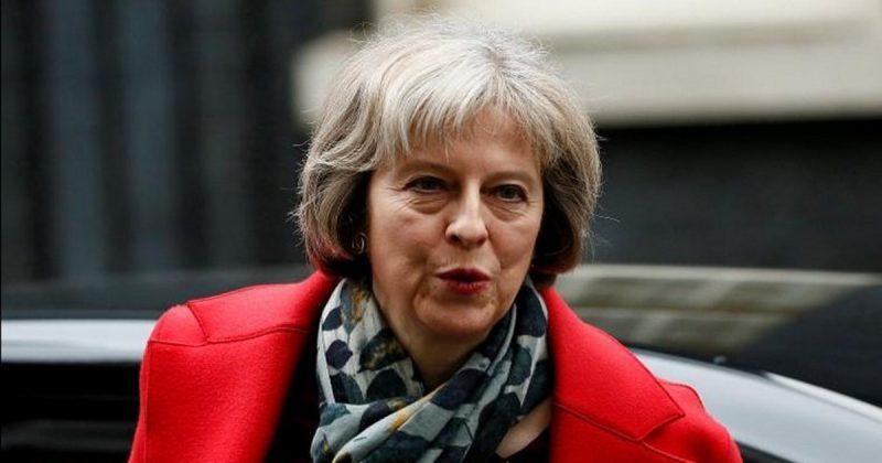 Политика: Британский бизнес продолжает атаки на Терезу Мэй