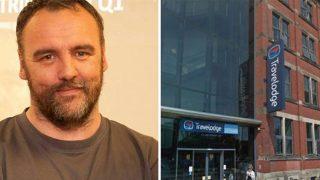 Отец был обвинен в педофилии за то, что остановился в одном номере отеля со своей дочерью