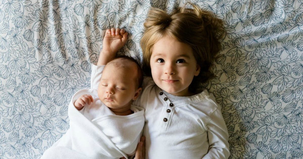 https://www.pexels.com/photo/love-baby-boys-family-50692/