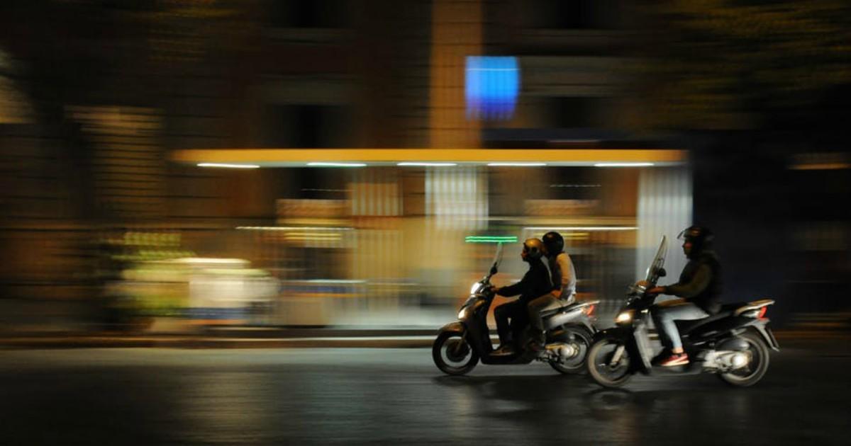 https://www.pexels.com/photo/city-traffic-vehicles-people-2055/