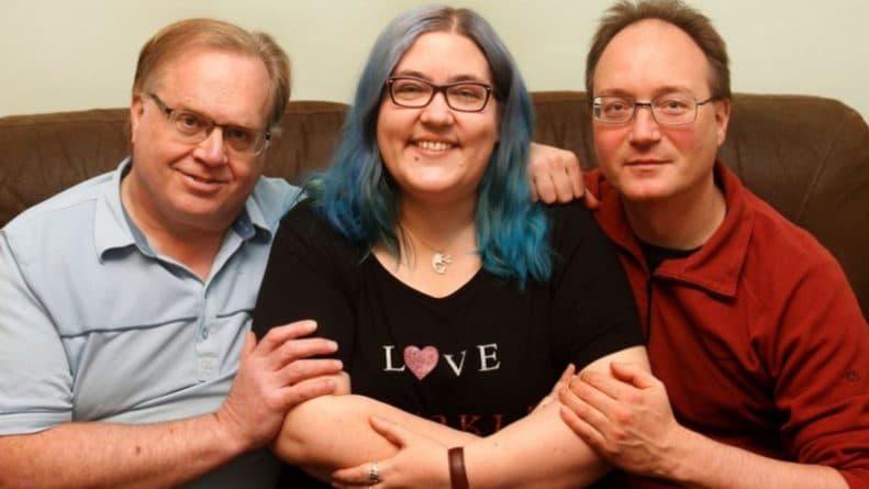 Общество: Один - хорошо, а четыре - полигамия: у женщины два мужа и два любовника, и она довольна