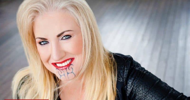 Общество: Женщину, которая сделала себе маорийскую тату, обвинили в присвоении культурных ценностей