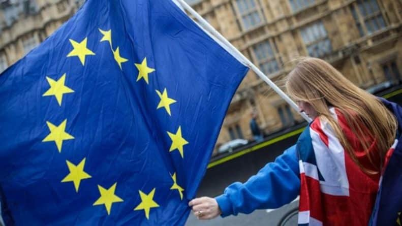 Общество: Джордж Сорос готовит второй референдум об отмене результатов Brexit