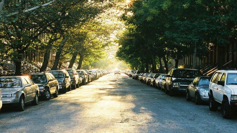 Без рубрики: Британцы, неправильно паркующие машины, рискуют заплатить штраф в размере £1000