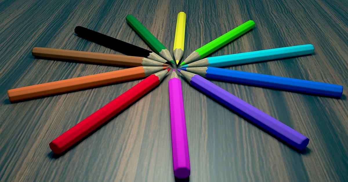 https://pixabay.com/ru/%D0%BA%D0%B0%D1%80%D0%B0%D0%BD%D0%B4%D0%B0%D1%88%D0%B8-%D1%81%D1%82%D0%BE%D0%BB-pencils-3d-2949488/