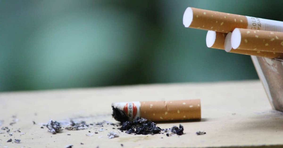 https://www.pexels.com/photo/close-up-photo-of-cigarette-247040/