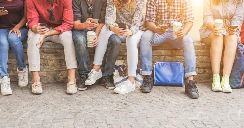 Общество: Больше 10% британских студентов используют свое тело, чтобы оплатить обучение в университете