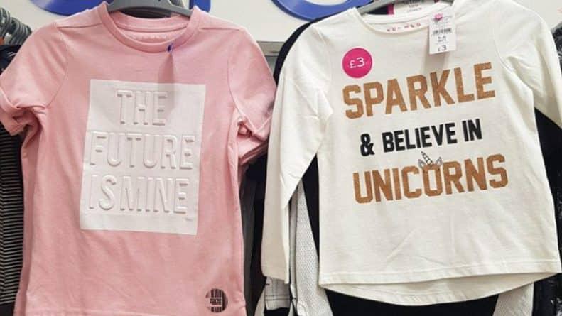 Общество: Ему - будущее, ей - единорог: женщина обвинила Morrison's в сексизме за разные надписи на футболках для девочек и мальчиков