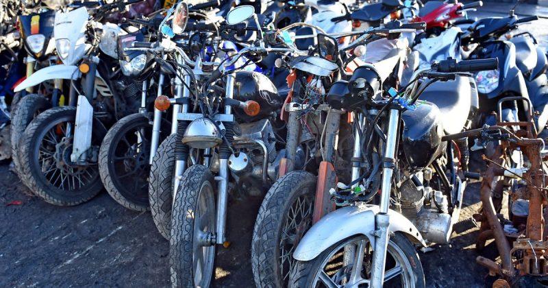 Общество: Полиция Большого Манчестера начала войну против банд на мопедах и внедорожных мотоциклах