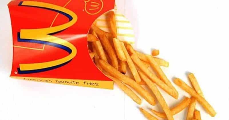 Общество: Мальчика обвинили в нападении, когда он запустил в девушку картофелем фри через соломинку