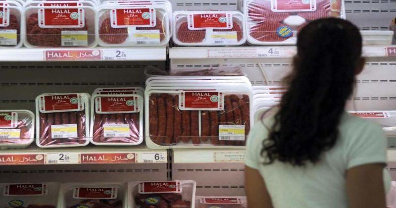 Общество: Решение Ланкашира не поставлять халяльное мясо неоглушенных животных в школы назвали исламофобским