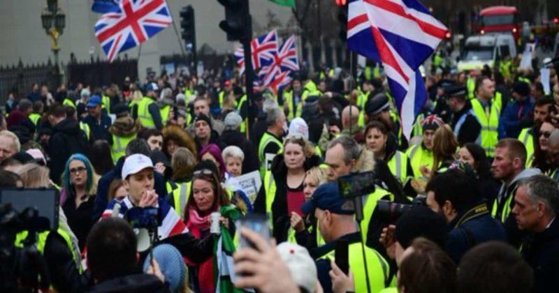 Общество: В Лондоне прошли протесты по примеру желтых жилетов, несмотря на задержание лидера активистов