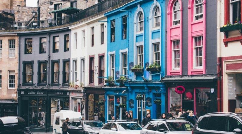 Путешествия: Эдинбург станет первым британским городом, где будет введен туристический налог