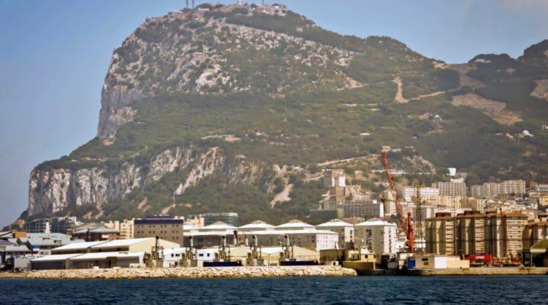 Путешествия: Британские туристы будут платить £52 после Brexit, если Испания настоит на своем