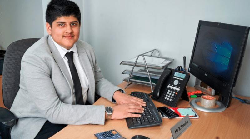 Общество: Самый юный экономист Британии планирует к 25 годам стать миллионером, сейчас ему 15 лет