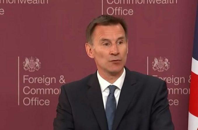 Общество: Глава МИД Великобритании призвал ответить на киберугрозы России