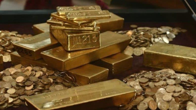 Общество: Российские закупки золота тревожат западную прессу