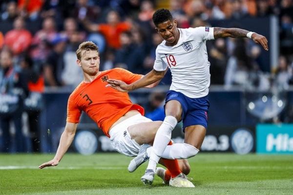 Без рубрики: Англия и Голландия чудовищно защищались. Де Лигт привез пенальти, Стоунз – гол в свои ворота