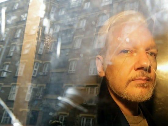 Общество: В Лондоне обозначили сроки экстрадиции Ассанжа в США