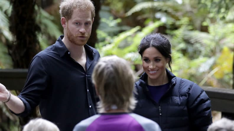 Общество: Британцы снова возмущены: принц Гарри и Меган Маркл тратят баснословные суммы на охрану дома