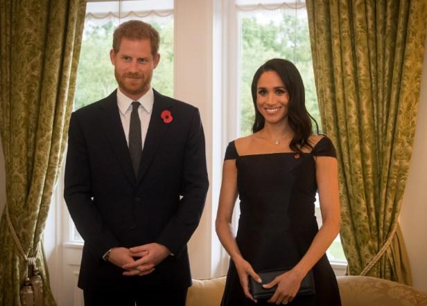 Принц Гарри воспитывал Меган Маркл на дне рождения королевы Елизаветы II