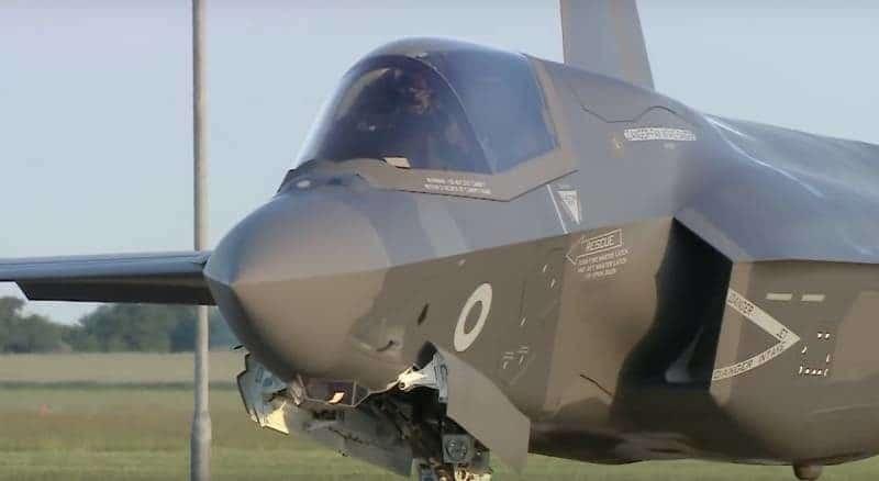 Общество: Британские F-35B приняли участие в первых боевых миссиях