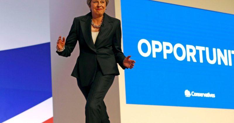 Общество: Мэй официально покинула пост лидера Консервативной партии Великобритании